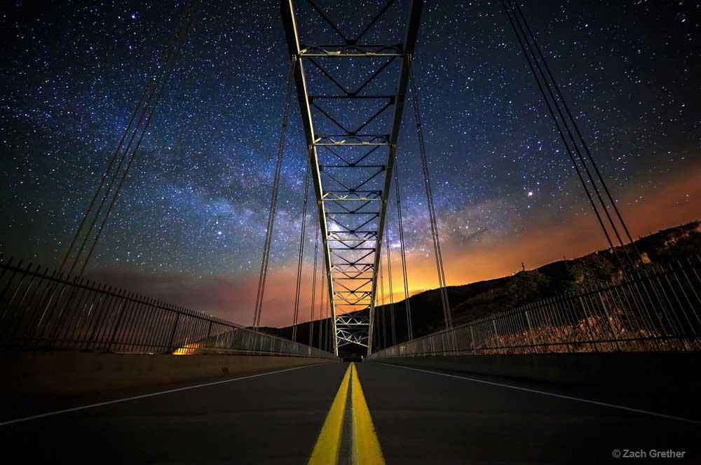 """""""Ponte ligando a Terra com os céus"""", no Arizona. Foto por Zach Grether."""