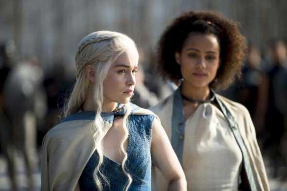 Daenerys Targaryen (Emilia Clarke) e Nathalie Emmanuel (Missandei)