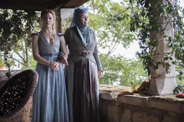 Margaery Tyrell (Natalie Dormer) e Oleanna Tyrell (Diana Rigg)