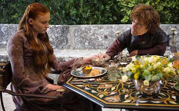 Sansa Stark (Sophie Turner) e Tyrion Lannister (Peter Dinklage)