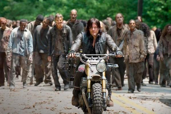 the-walking-dead-6-temporada-s06e01-daryl