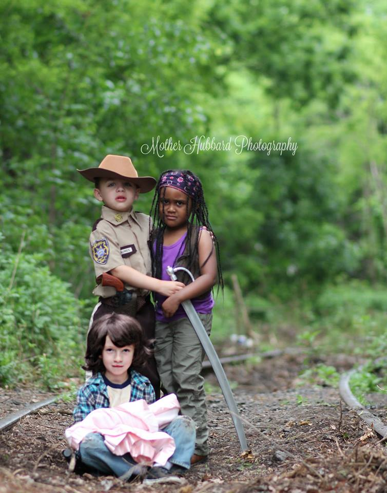 the-walkng-dead-cosplay-kids-Mother-Hubbard-Photography-12