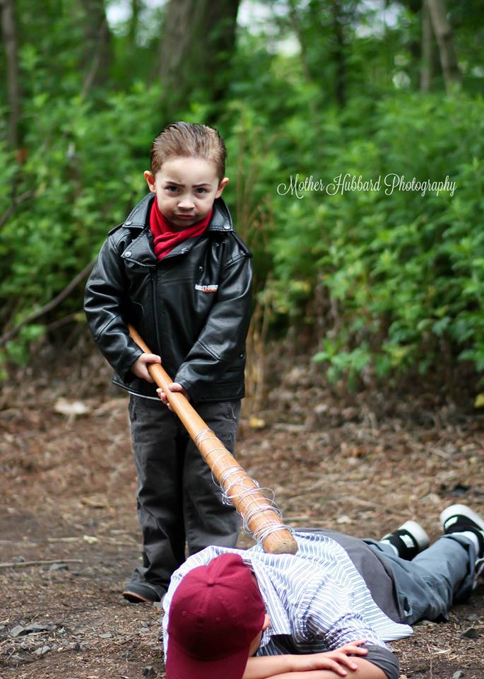 the-walkng-dead-cosplay-kids-Mother-Hubbard-Photography-14
