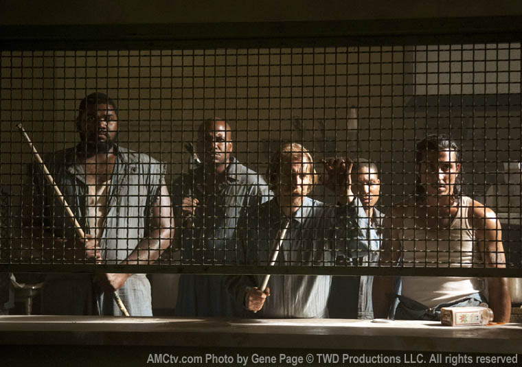 Os prisioneiros que o grupo de Rick encontra no 1º episódio da 3ª temporada de The Walking Dead: Big Tiny, Oscar, Axel, Andrew e Tomas.