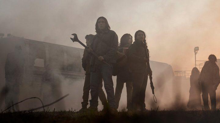 Os personagens de The Walking Dead: World Beyond. Grupo de jovens que cresceram no apocalipse zumbi.