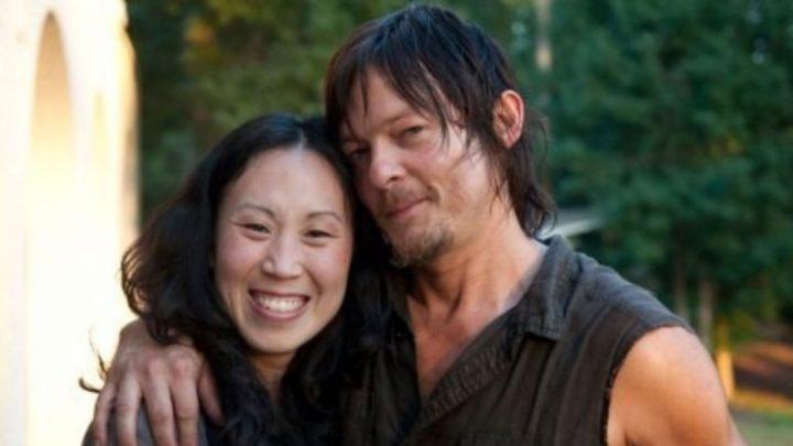 Angela Kang, showrunner de The Walking Dead, e Norman Reedus, o Daryl Dixon.