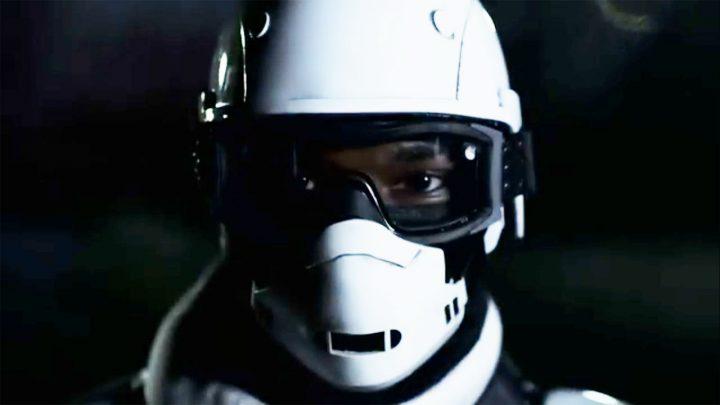 Soldado de Commonwealth no final do trailer dos episódios extras da 10ª temporada de The Walking Dead.