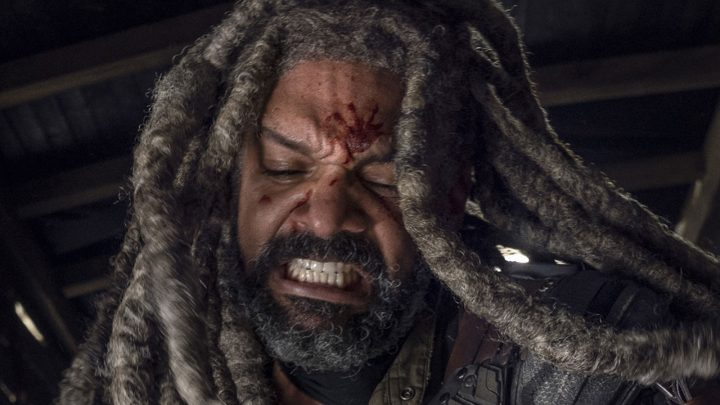 "Ezekiel no 20º episódio da 10ª temporada de The Walking Dead (S10E20 - ""Splinter"")."