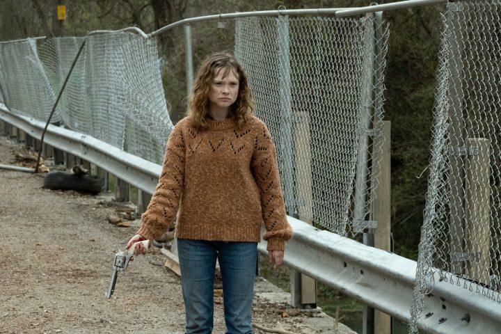 """Dakota no 8º episódio da 6ª temporada de Fear The Walking Dead (S06E08 - """"The Door"""")."""