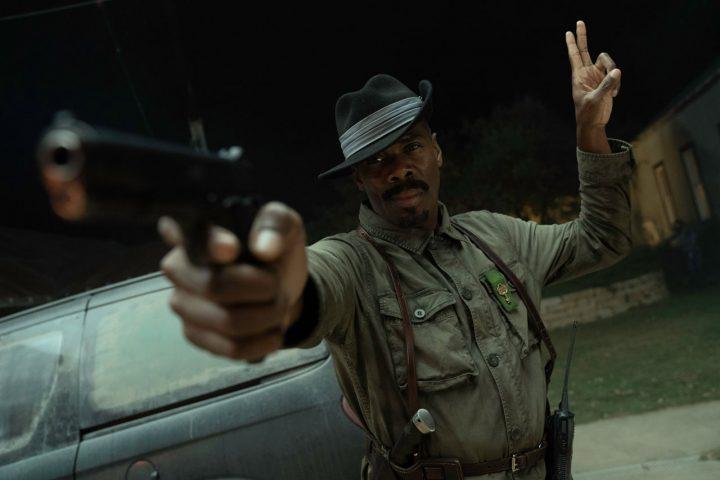 "Victor Strand no 9º episódio da 6ª temporada de Fear The Walking Dead (S06E09 - ""Things Left to Do"")."