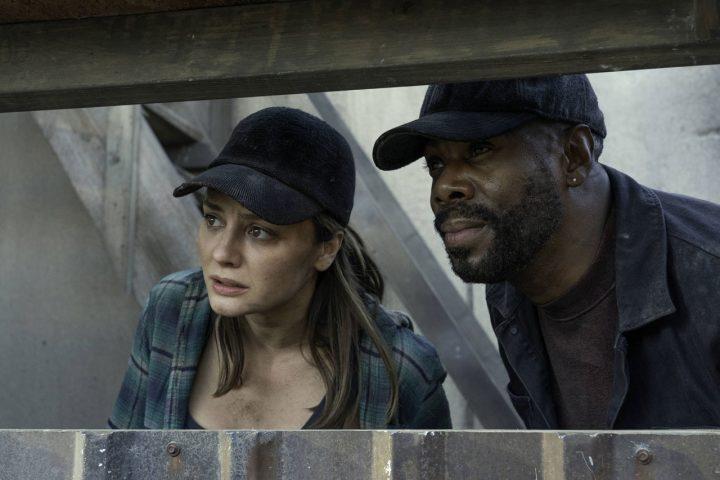 """Sherry e Victor Strand no 10º episódio da 6ª temporada de Fear The Walking Dead (S06E10 - """"Handle With Care"""")."""