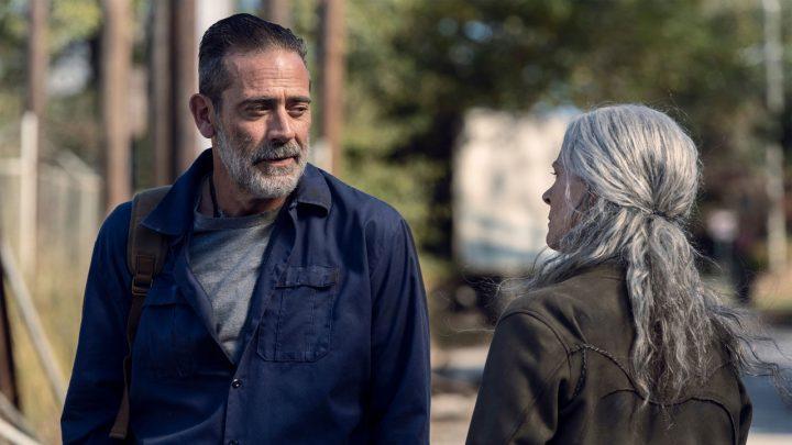 """Negan e Carol no 22º episódio da 10ª temporada de The Walking Dead (S10E22 - """"Here's Negan"""")."""