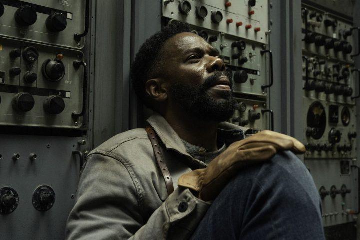 """Victor Strand no 15º episódio da 6ª temporada de Fear The Walking Dead (S06E15 - """"USS Pennsylvania"""")."""
