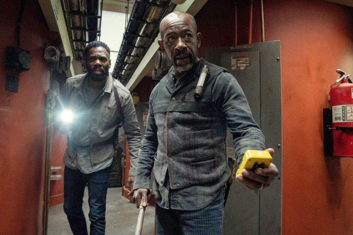 """Victor Strand e Morgan Jones no 15º episódio da 6ª temporada de Fear The Walking Dead (S06E15 - """"USS Pennsylvania"""")."""