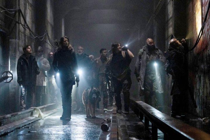 Alden, Elijah, Maggie, Negan, Daryl, Cão e Gabriel em foto promocional da 11ª temporada de The Walking Dead.