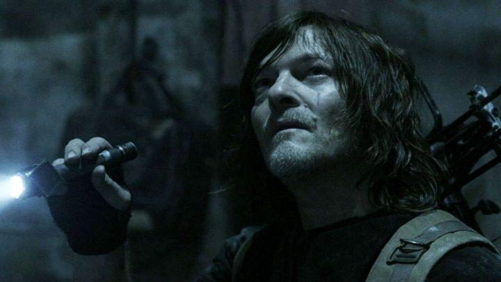 """Daryl Dixon no 1º episódio da 11ª temporada de The Walking Dead (S11E01 - """"Acheron: Part I"""")."""